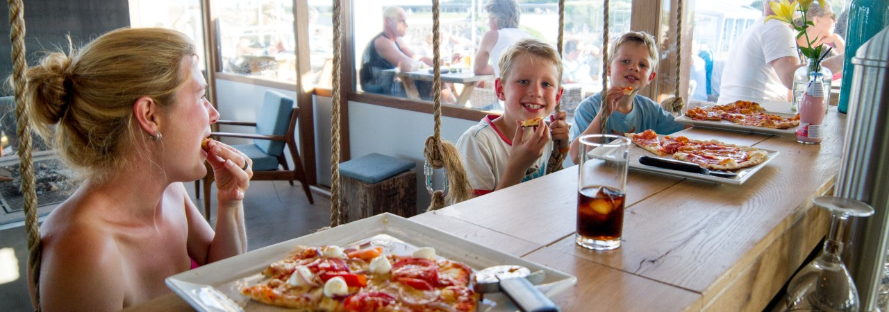 gestrand_pizza_kids