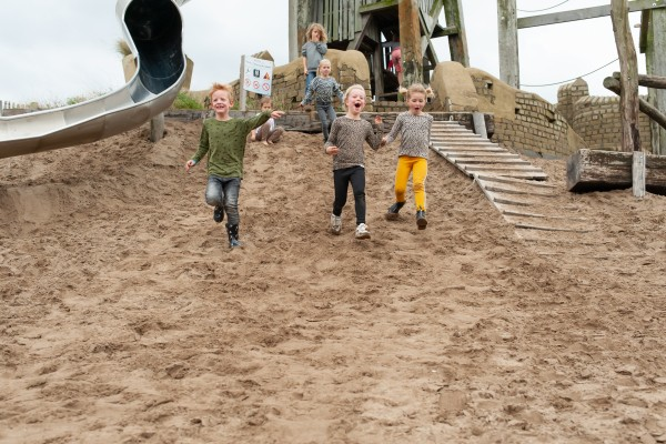 kidsparty_Gestrand_active_outside