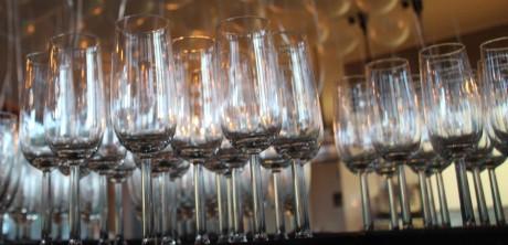 Gestrand_Glazen_wijn_feest_bruiloft_partij